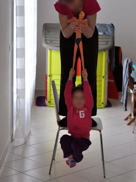 Ce jouet peut supporter le poids d'un enfant.