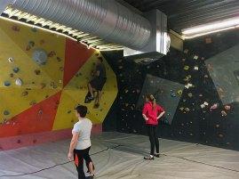 L'escalade est accessible aux débutants.