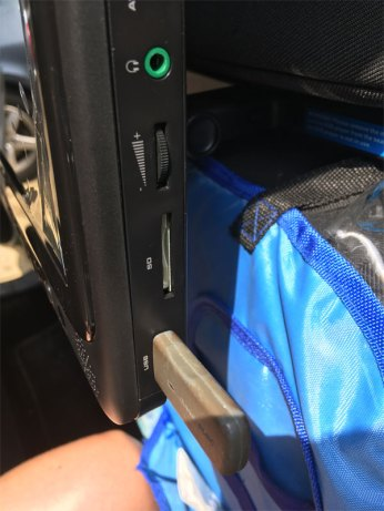 On peut connecter une clé USB.