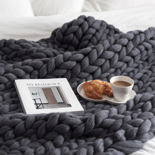 HAKOONA-Chunky-Knitted-Blankets-throws-Blanket-Ultra-Plush-Decorative-Throw-Blanket-Queen-Bedroom-1.jpg