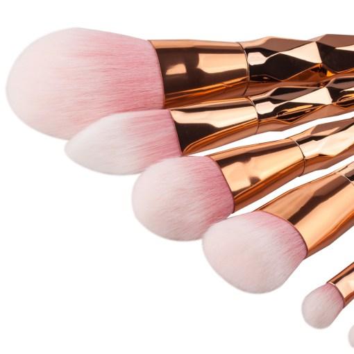 7pcs-Diamond-Shape-Rainbow-Handle-Makeup-Brushes-Set-Foundation-Powder-Blush-EyeShadow-Lip-Brush-kwasten-Beauty