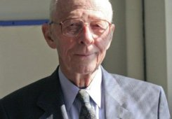 Jay Forrester - System Dynamics Pioneer and Father of Modern Simulation Passes