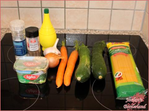 Spaghetti mit Zucchini & Möhren