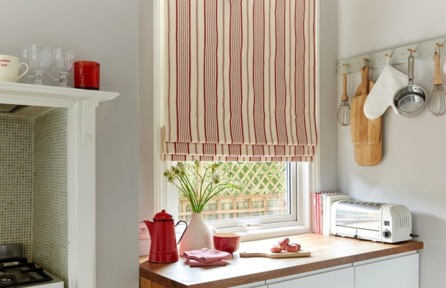 Roman blinds featured pic (top of page)