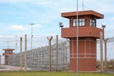 Coronavírus: Conselho proíbe uso de contêineres para separar presos infectados