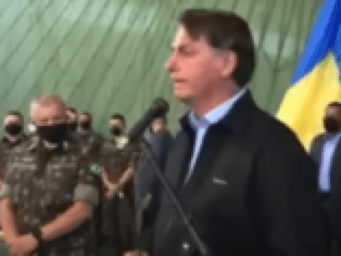 Pesquisa diz que 52% deseja a saída de Bolsonaro