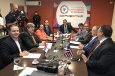 Nove governadores do nordeste divulgam carta condenado invasões em hospitais estimuladas por Bolsonaro