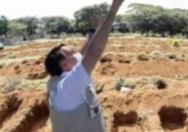Eduardo Bolsonaro divulga foto de obras de Dilma como se fosse de Bolsonaro