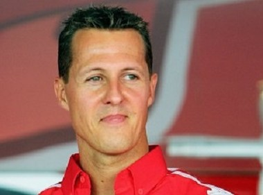 Ex- Campeão mundial de Formula 1 - Michael Schumacher se comunica apenas com os olhos