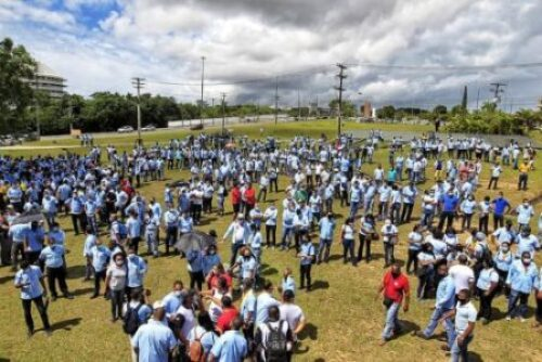 Trabalhadores da Ford fazem protestos em contra saída da empresa