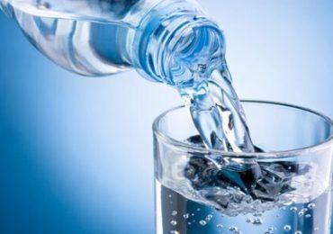 Consumo de água ajuda no combate a infecções como gripes e até mesmo a Covid-19
