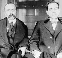 Bartolomeo Vanzetti y Nicola Sacco, inmigrantes italianos residentes en Estados Unidos, fueron ejecutados en Massachusetts el 23 de agosto de 1927 acusados de anarquistas