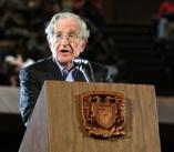 críticas de Chomsky al modelo político neoliberal dominante