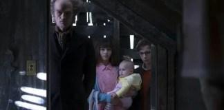 Imagem promocional com o elenco de desventuras em série