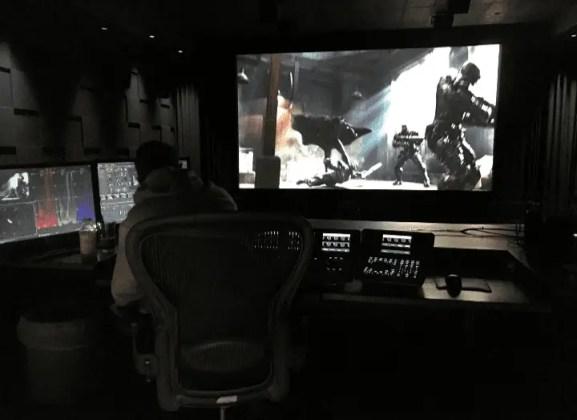 Imagem do batman em ação no filme liga da justiça