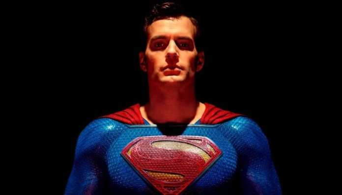 Imagem de divulgação do superman / o homem de aço em Liga da justiça