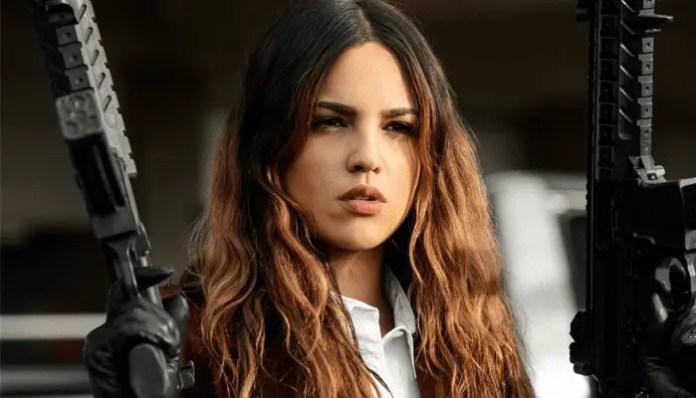 Eiza Gonzalez no filme Em Ritmo de Fuga