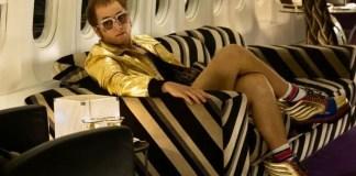 Imagem do ator Taron Egerton como Elton John para o filme Rocketman