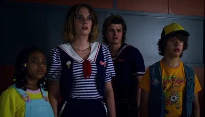 Érica, Robin, Steve e Dustin