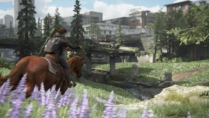 Ellie no cavalo em The Last of Us Parte II