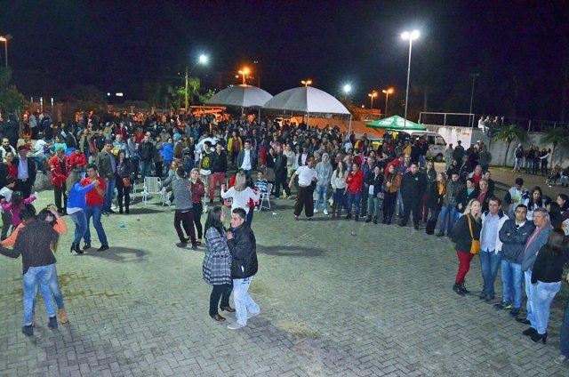Festa do Trabalhador reúne 2 mil pessoas em Nova Hartz