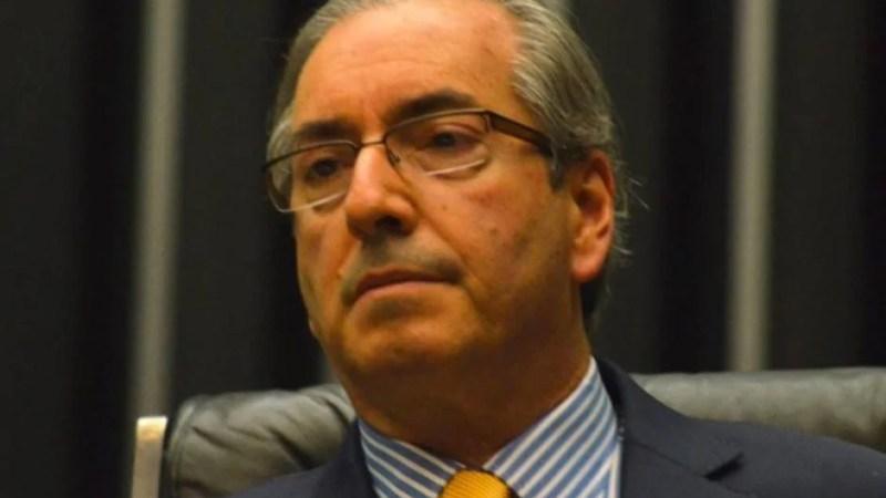 Eduardo Cunha comunica início do processo de impeachment e cria comissão especial