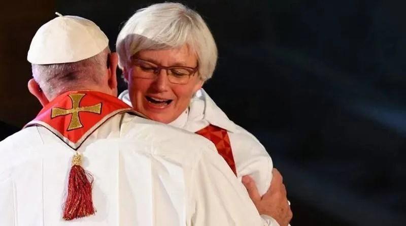 Papa Francisco reafirma posição da Igreja: mulheres não podem ser padres