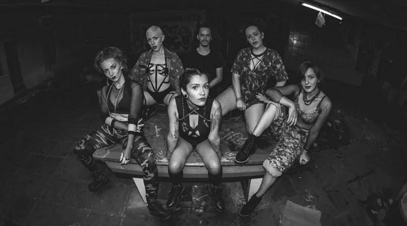 O grupo Sinta A Liga Crew lança videoclipe da música Campo Minado