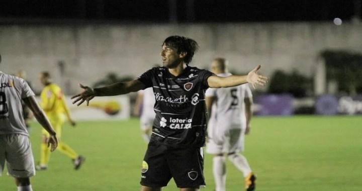 """Ainda sem marcar pelo Belo, Kivel se diz tranquilo: """"Ajudo o time de outras formas"""""""