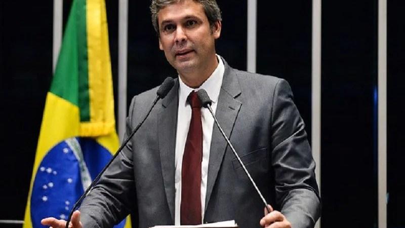 O Antagonista destaca eleições municipais em João Pessoa e levanta rumores de possível candidatura de Lindbergh Farias