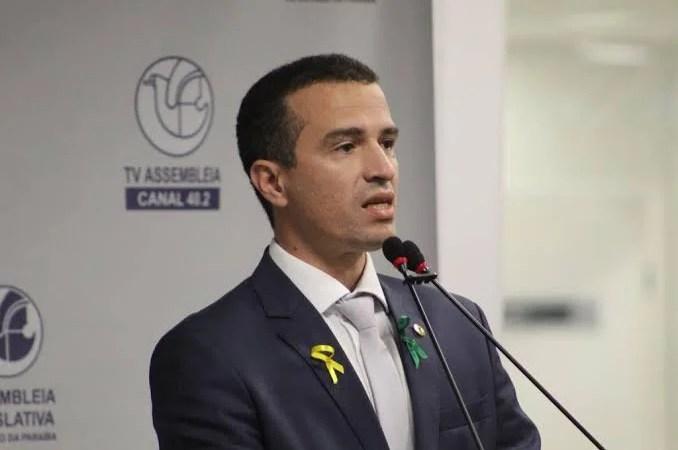 Deputado Dr. Érico deixa bloco do G11 na ALPB, para disputar prefeitura de Patos