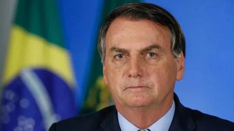 Bolsonaro sanciona auxílio emergencial de R$ 600 para trabalhadores informais