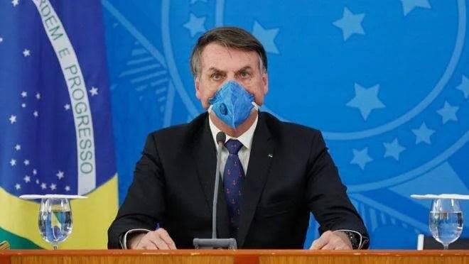 Laudos mostram que Bolsonaro testou negativo nos três exames que realizou para a Covid-19