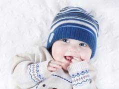 Confira três dicas para cuidar da pele do bebê no inverno