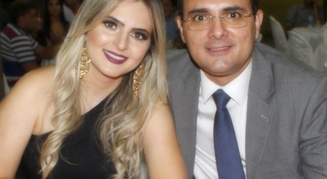 Prefeito Rivelino Câmara recebe prêmio de melhor gestor da região