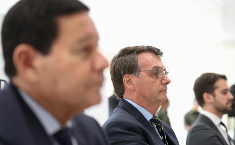 A Justiça cerca Bolsonaro e aliados por ao menos seis frentes