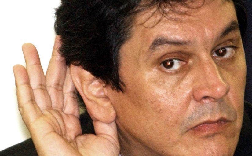 """Para se blindar do impeachment, Bolsonaro aderiu ao """"toma lá, dá cá"""" que tanto criticava"""
