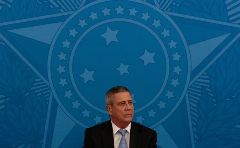 Na prática, Bolsonaro sofreu uma intervenção militar