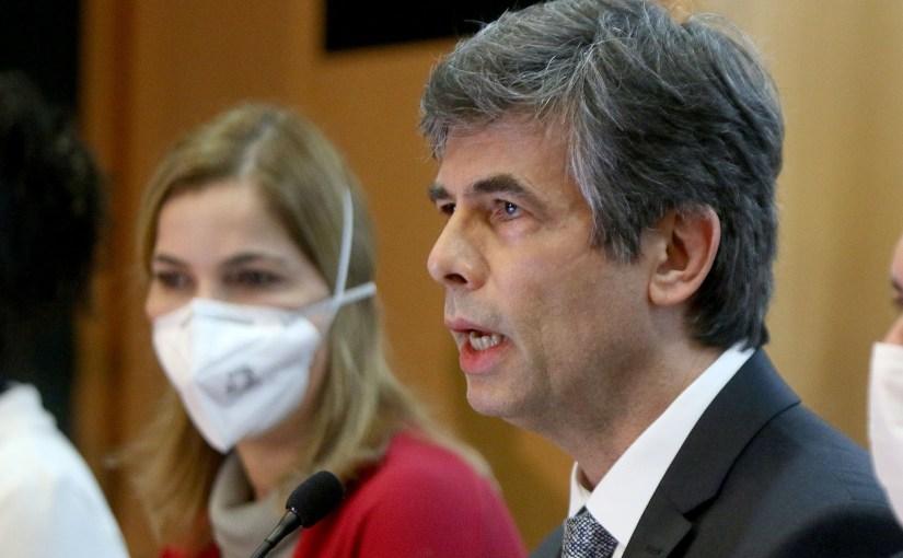O que fez Nelson Teich, ministro da Saúde, pedir demissão