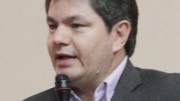 O prefeito de Pirenópolis rejeita parceria com o governo do Estado e prejudica desenvolvimento do município