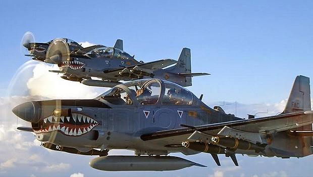 Embraer A-29 Super Tucano nas cores da Força Aérea Colombiana