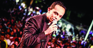 Padre Marcos Rogério: contato direto e ajuda da web para divulgar festival   Foto: Rodrigo Roncolato/Adorai