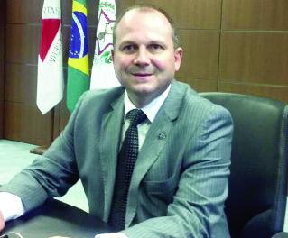 """O assessor do Sebrae Goiás, Ieso Gomes, afirma a necessidade em """"tirar do papel e pôr em prática"""" a função dos agentes, contribuindo para a realização da Lei Geral"""
