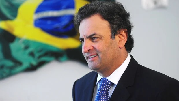 Em Goiânia, Aécio Neves elogia gestão de Marconi Perillo na Educação e critica incoerências de Marina Silva