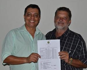Presidente do PRTB em Morrinhos, Arzírio Vieira, e o vice,  Renato Melanias
