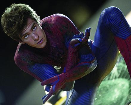 """Andrew Garfield interpreta Peter Parker em """"O Espetacular Homem-Aranha 2"""""""
