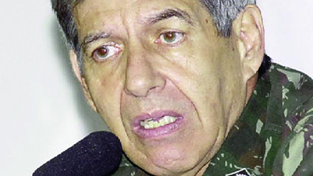 Os militares da reserva estão quietos, a reação contra Dilma virá mais adiante