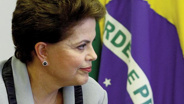 Avaliação positiva de Dilma sofre nova queda enquanto Aécio e Eduardo Campos avançam
