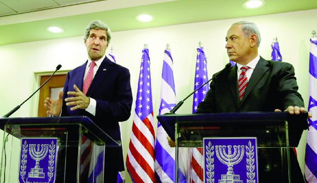 Secretário de Estado norte-americano, John Kerry, e o primeiro-ministro Benyamin Netanyahu: frustração nas negociações de paz com os palestinos