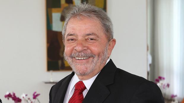 Ex-presidente Lula é internado com labirintite